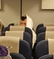 """הרב ברלנד, אמש, על המטוס בדרא""""פ"""