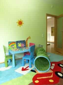 חדר ילדים בצבע נייטרלי