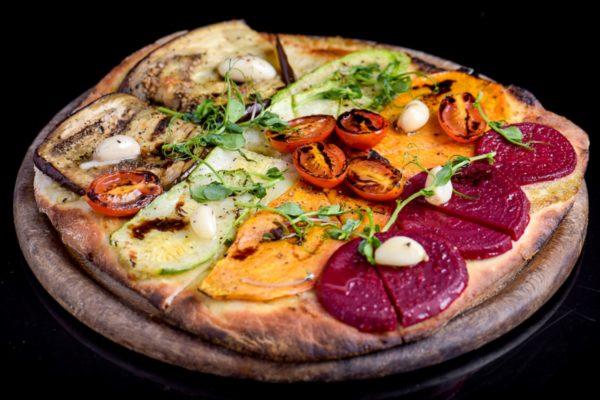 פיצה טבעונית | צילום: אסף לוי