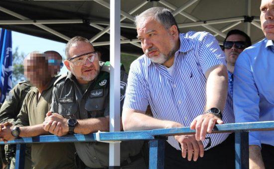 ביקור ליברמן ארדן ואלשיך ביממ צילום דוברות המשטרה (9)