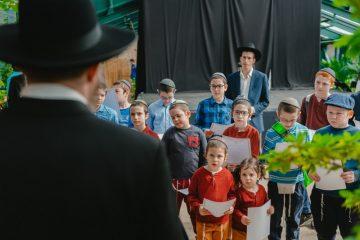 פעם בשנה: ילדי מוסקבה בין האילנות