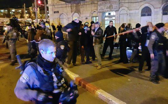 דקירה ברחוב הנביאים צילום מדברים תקשורת
