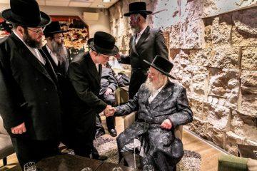 """תיעוד: האדמו""""ר ממונקאטש בישראל"""