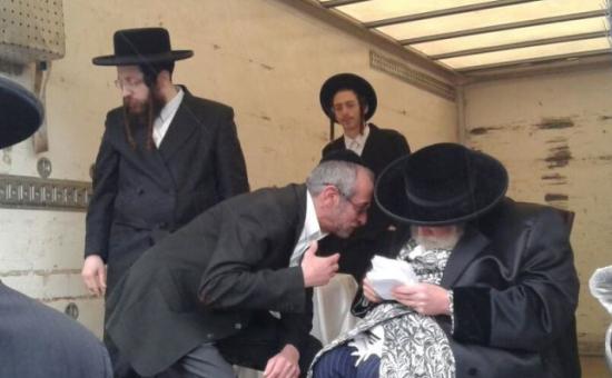האדמור מתולדות אברהם יצחק בברדיטשוב, צילום הכנסת אורחים אש''ל מברדיטשוב (1)
