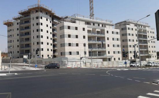 הבניה בפרויקט של צרפתי שמעון בפסגרת זאב נמצאת בעיצומה צילום צרפתי שמעון
