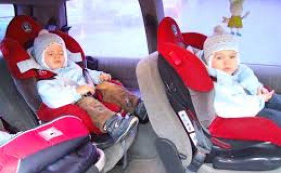 ילדים במושב בטיחות צילום: ויקיפדיה (אילוסטרציה)