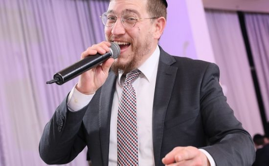 הזמר יוני ברגר - קרדיט צילום הרשי קוטובסקי