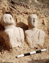 פסלי המצבה הרומיים שבו לעמק המעיינות