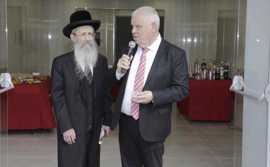הרב הראשי של נצרת עלית, ישעיהו הרצל וראש העיר רונן פלוט | צילום: בן פרידמן