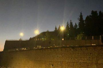 הושלם: הר המנוחות מואר גם בלילה