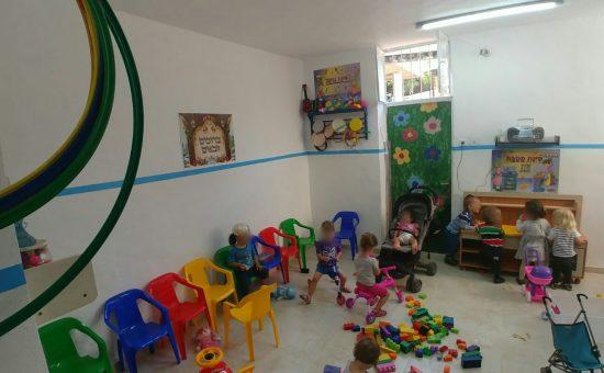 אילוסטרציה: השוטרים שיפצו את גן הילדים (7)