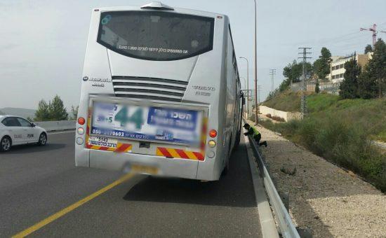 אילוסטרציה: אוטובוס בצד הדרך