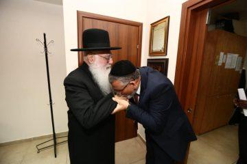 הרב פנה בבקשה להאריך את כהונת עמיתו