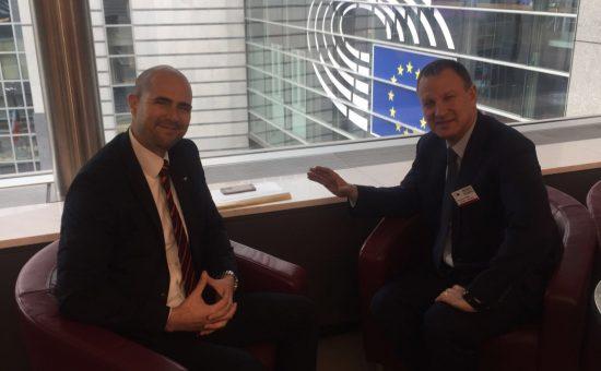 חברי הכנסת אמיר אוחנה ואראל מרגלית (צילום: נציגות ישראל לאיחוד האירופי)