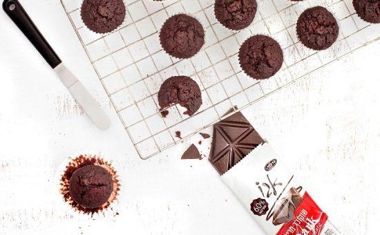 חברת כרמית חולקת מתכון מאפינס שוקולד עם סלק צילום גלי איתן