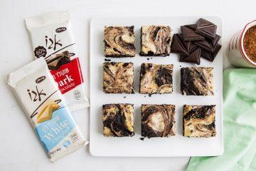בראוניז משויש עם שוקולד וגבינה