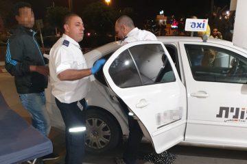 תל אביב: ילדה במונית בכניסה לבית החולים