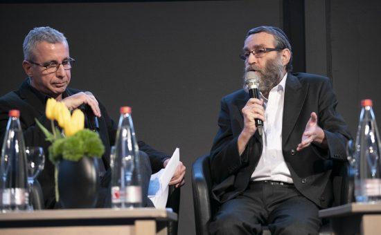 ח''כ משה גפני עם הפרשן סמי פרץ צילום תומר אפלבאום