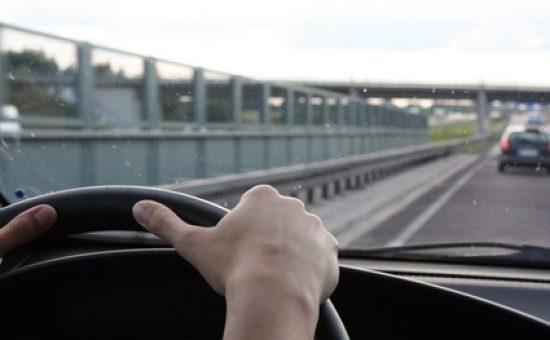 טרמפ, נהיגה, כביש