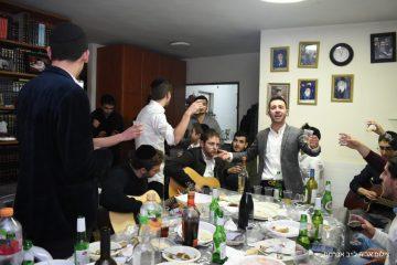 38 בהפתעה: החברים חגגו עם בצלאל אברהם