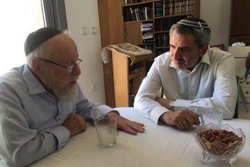 ירושלים: מתמודד חדש, תמיכה רבנית והדחת בזק