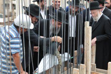 גלריה: יציקת ארון קודש ב'ברכפלד'