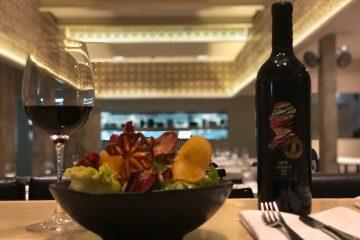 קונספט ייחודי המשלב בין יין, אוכל ואמנות