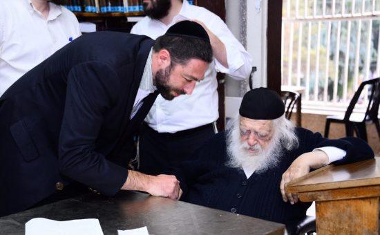 ישראל שינפלד עם מרן הגר''ח קנייבסקי