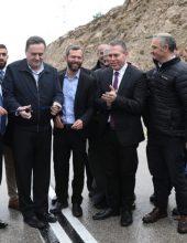 בדרך לירושלים: כביש לישראלים, כביש לפלסטינים