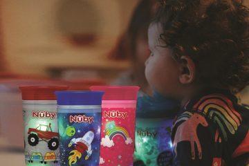 חדש לילדים: כוס הפלא עם אורות מהבהבים