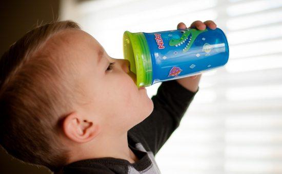 כוס הפלא שאינה נשפכת ב- 360 מעלות מבית המותג Nuby | צילום: אפרת אשל