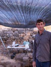 גילויים ארכיאולוגיים בבית ציידה, כורזין וכורסי