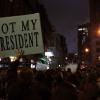 """אלפי מפגינים נגד טראמפ: """"לא הנשיא שלי"""""""