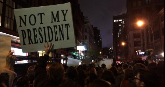 """טראמפ על המפגינים נגדו: """"מוסתים בידי התקשורת"""""""