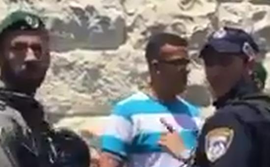 העצור הפלסטיני והשוטרים