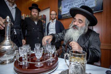 """האדמו""""ר מלעלוב-ירושלים, ערך טיש במוסקבה"""