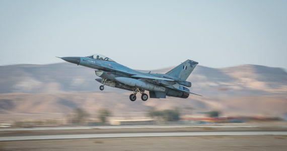 דיווח: ישראל תקפה שיירת נשק בגבול לבנון