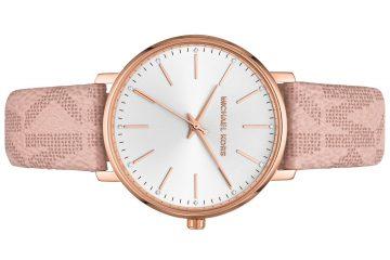 עוברים לשעון חורף עם שעון מקורי של מייקל קורס