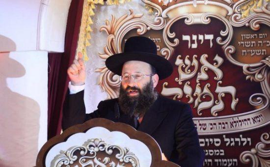 נואם הכבוד הרב שמואל רבינוביץ רב הכותל והמקומות הקדושים