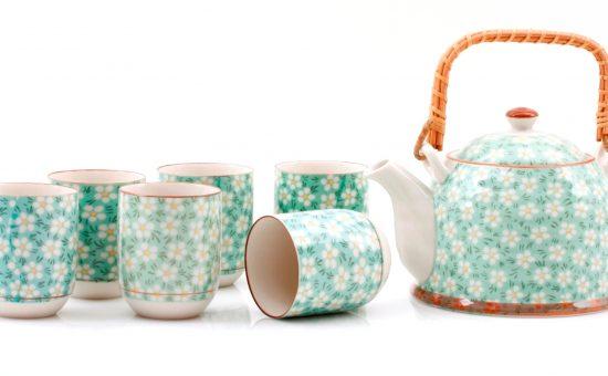 סט קפה תה עם קומקום ברשת המשביר לצרכן 199 שח צלם דן לב