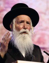 בגלל סיגריה: הרב דושינסקיא סירב למסור שיעור