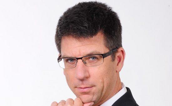 עו''ד דוד פייל - למייל רקע לבן - צלם רן כליף.png(2)