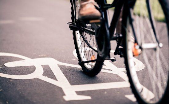 רוכבי אופניים חשמליים