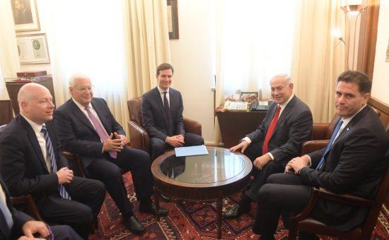 פגישת ראש הממשלה בנימין נתניהו עם ג'ארד קושנר. צילום עמוס בן גרשום לעמ (3)