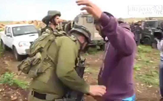 פלסטיני וחיילי צהל