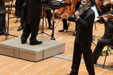 מופע חסידי נדיר בברלין: פריד הקפיץ אלפים באולם הפילהרמוניה. צפו