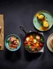 מגוון ארוחות בוקר עשירות ומפנקות