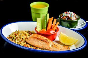 תפריט עם מאכלים של גדולים לילדים בחופשת הקיץ