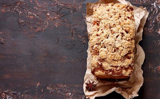 קפה גרג עוגת דבש וקרמבל צילום שטרסטוק