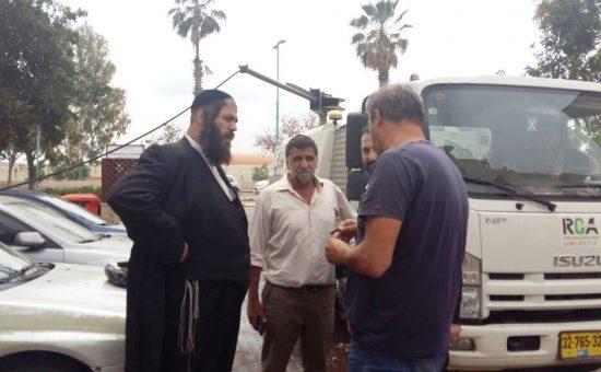 ראש עיריית אלעד ישראל פרוש בהכנות לפסח (4)